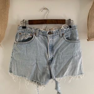levis distressed cut off shorts